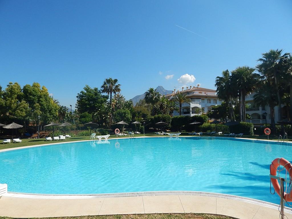 Apartment – Middle Floor in Puerto Banús,Costa del Sol for sale