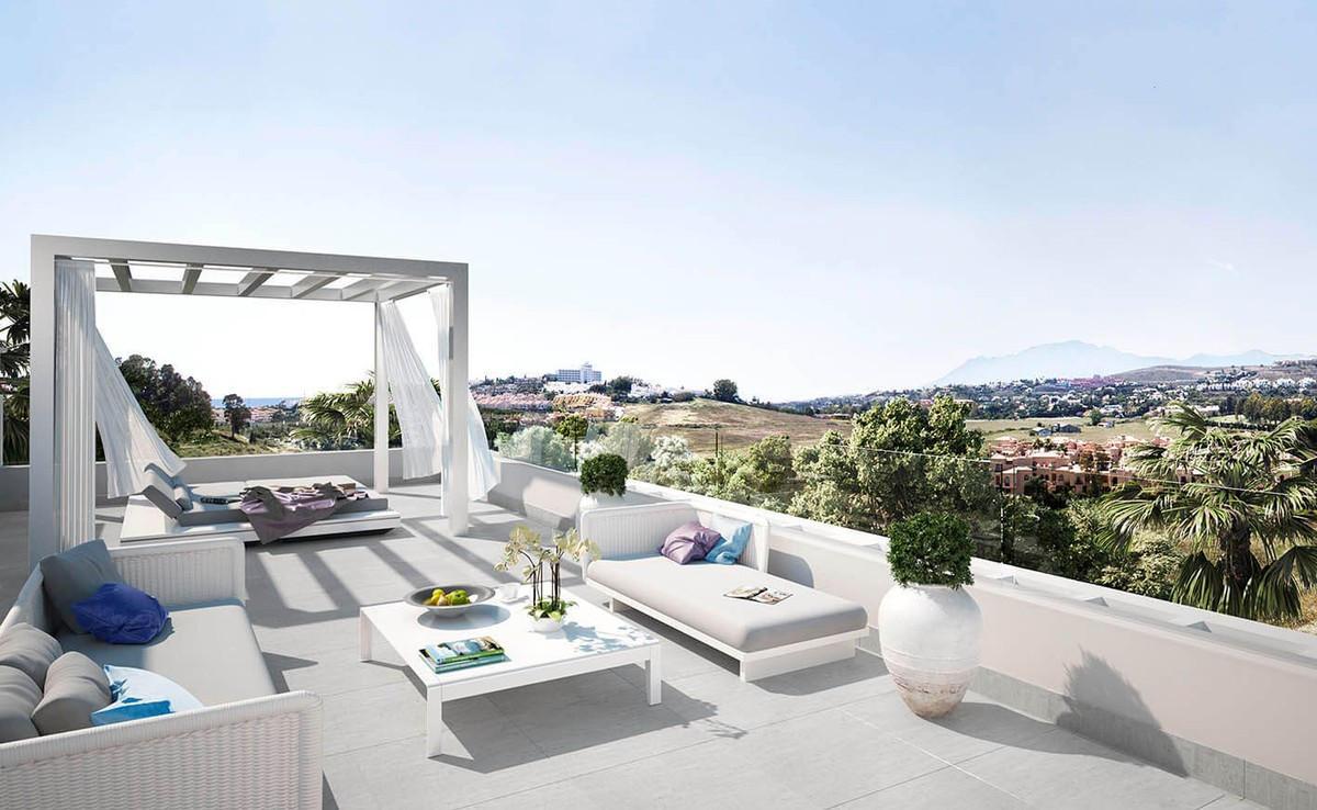 Apartment – Penthouse in Atalaya,Costa del Sol for sale