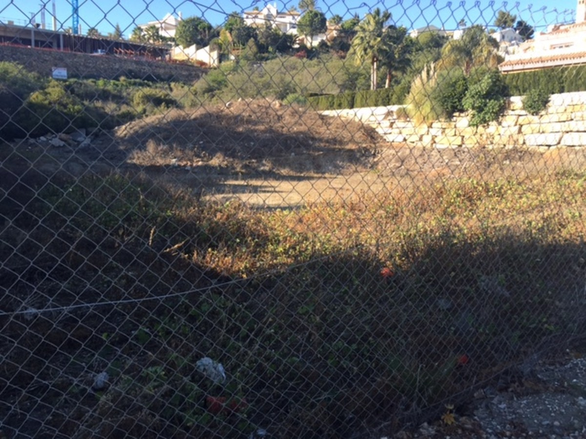 Plot – Residential in El Paraiso,Costa del Sol for sale