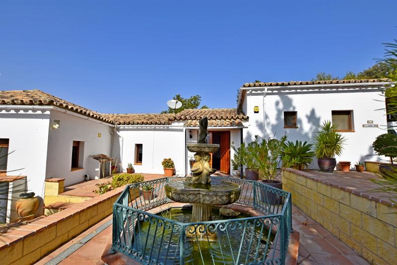 Finca with two houses near La Dehesa del Mercadillo (Ronda)
