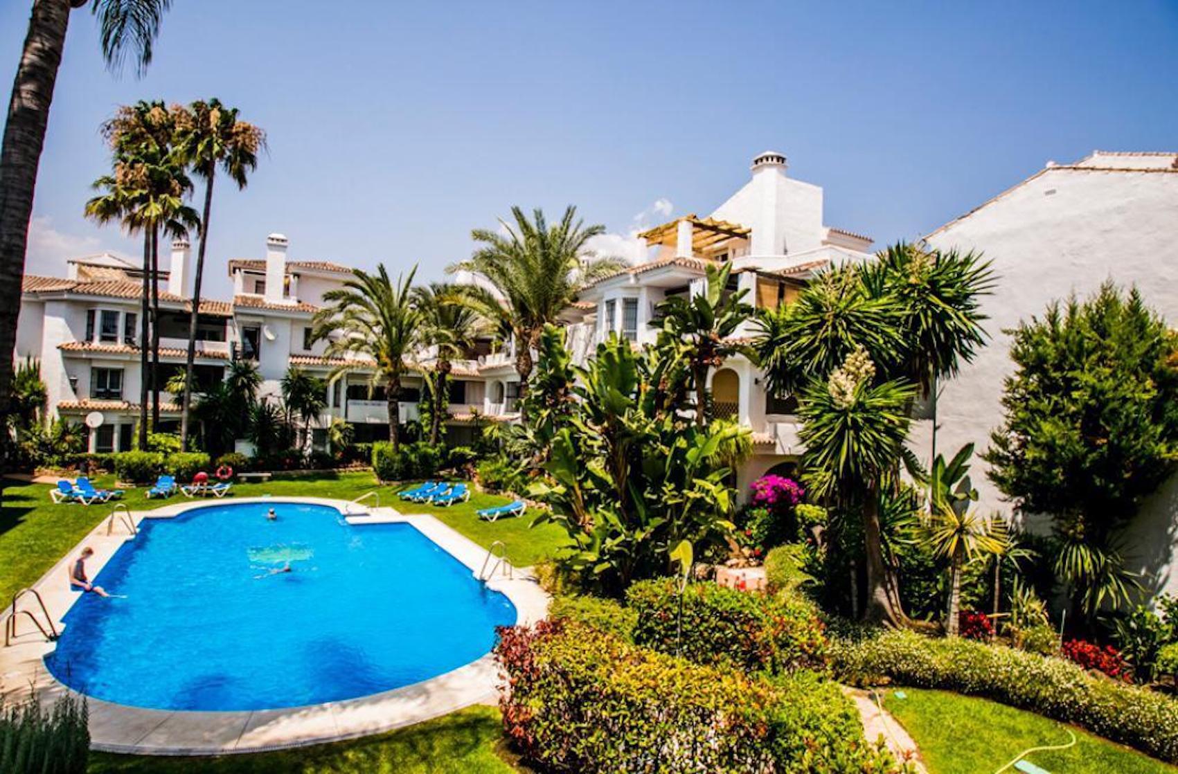 Beautiful Apartment in Los Naranjos de Marbella