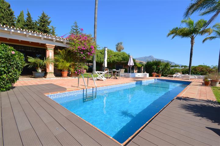 Adorable Southwest-Facing Villa Located in La Quinta