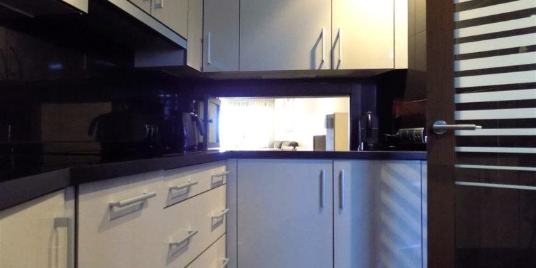 apartment-frontline-beach-estepona-18