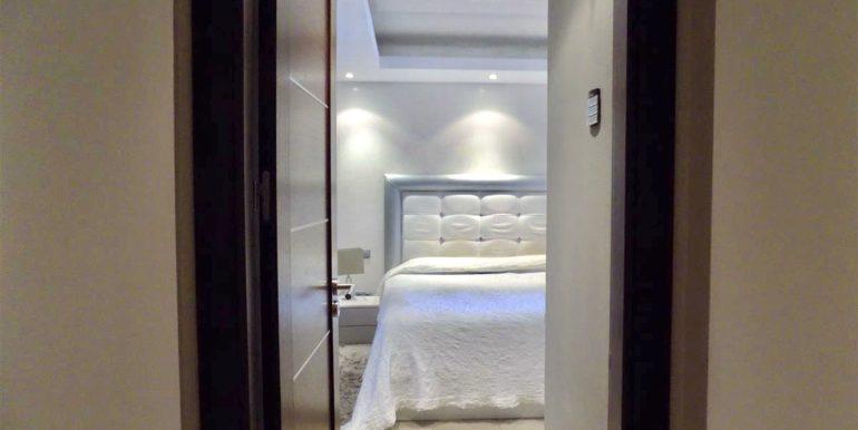 apartment-frontline-beach-estepona-24