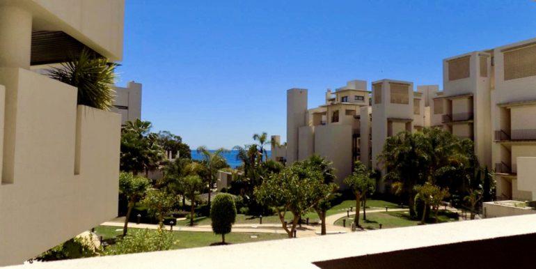 apartment-frontline-beach-estepona-5