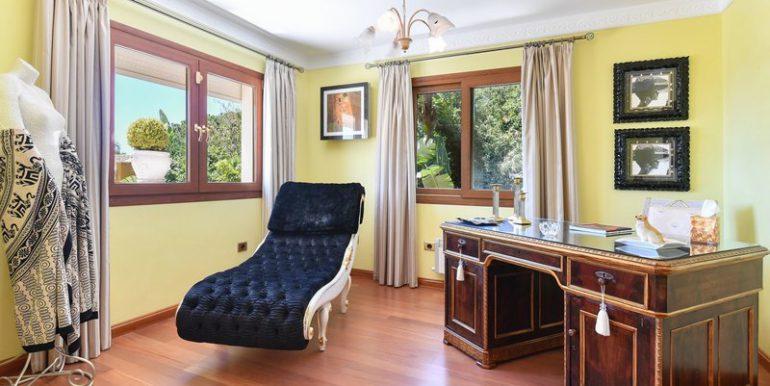 classic-villa-marbella-norwegian-estates-10