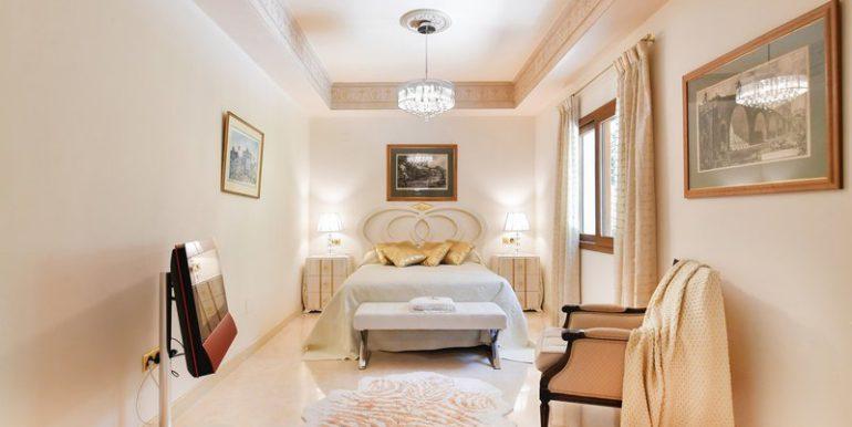 classic-villa-marbella-norwegian-estates-20
