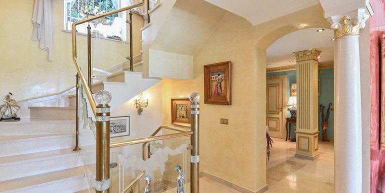 classic-villa-marbella-norwegian-estates-22