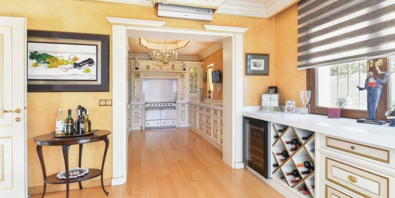 classic-villa-marbella-norwegian-estates-24