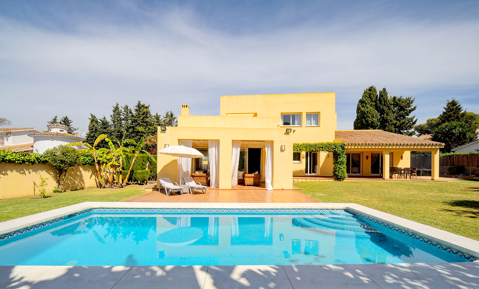 Charming villa just 600 m from the sea in Atalaya-Isdabe