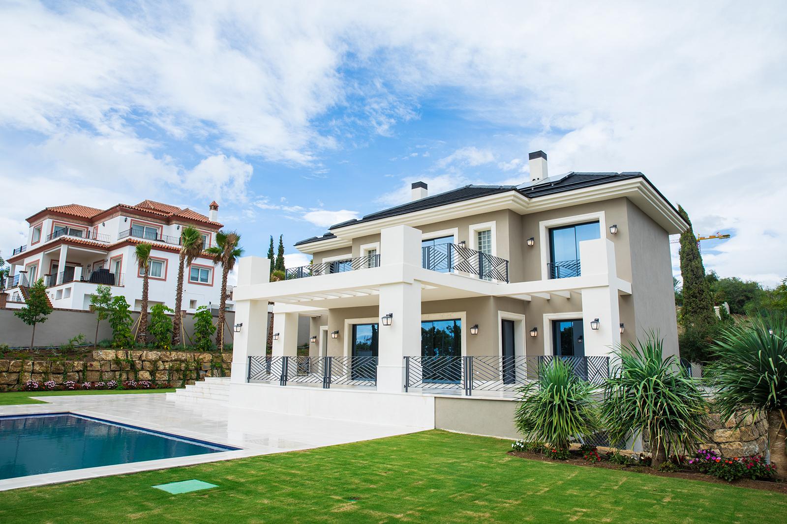 Stunning New Villa in Los Flamingos Golf