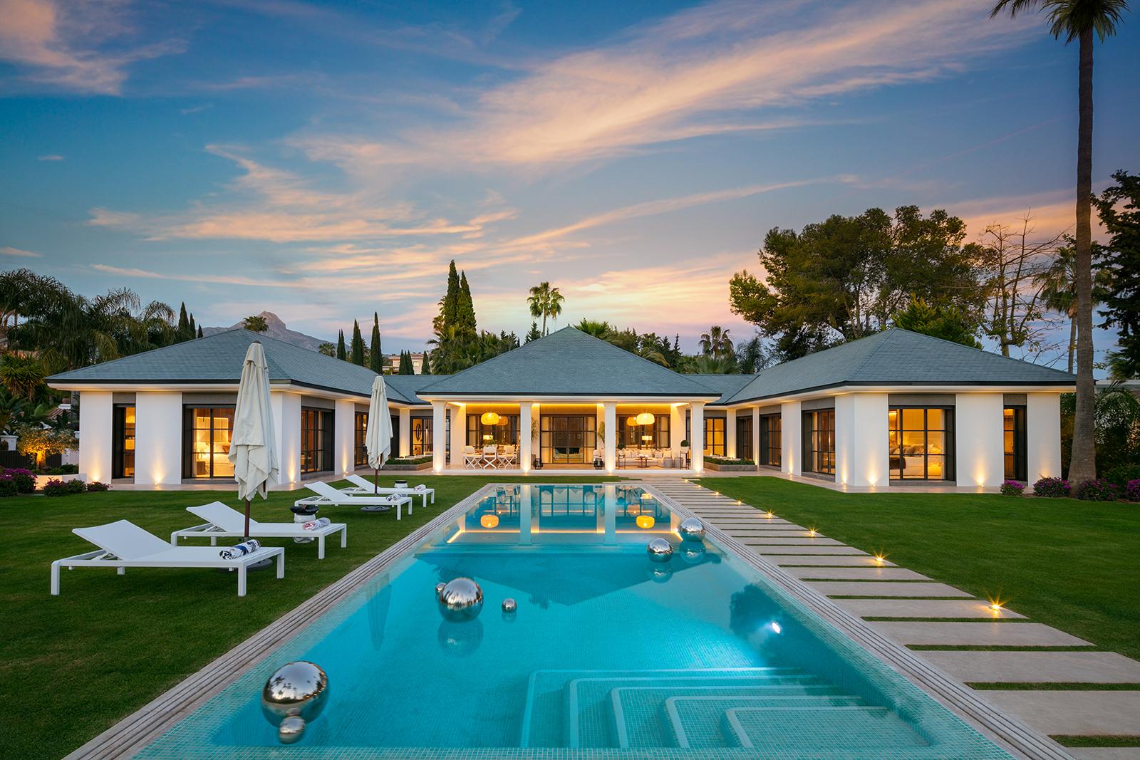 Fantastic Luxury Villa Frontline golf in Las Brisas