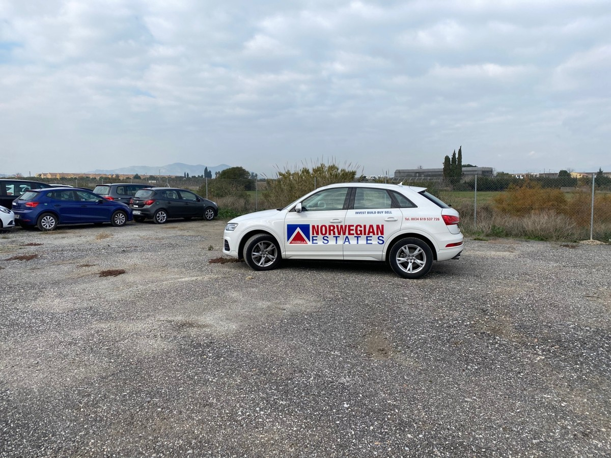 Great commercial / Industrial Plot 5 Minutes from Málaga Airport
