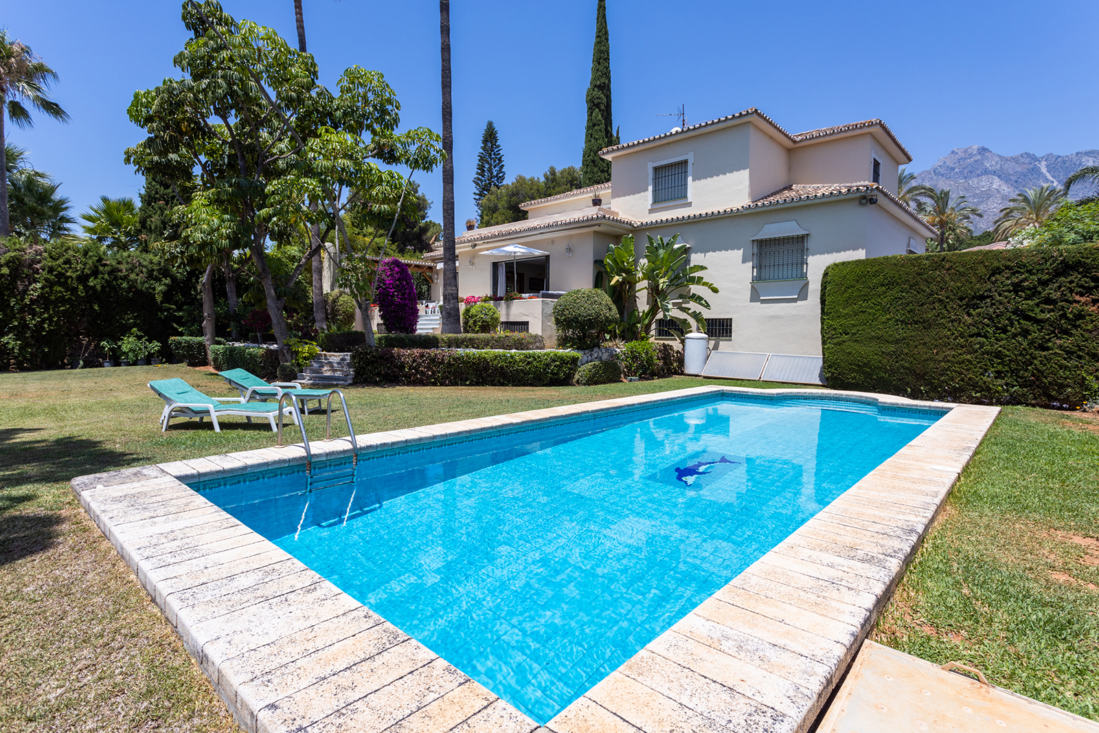 Exquisite Villa of Elegant Mediterranean Line in Nagüeles