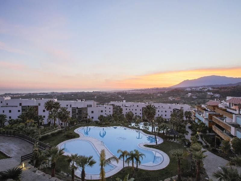Impressive Penthouse with Panoramic Views in Exclusive Residential Complex on the New Golden Mile