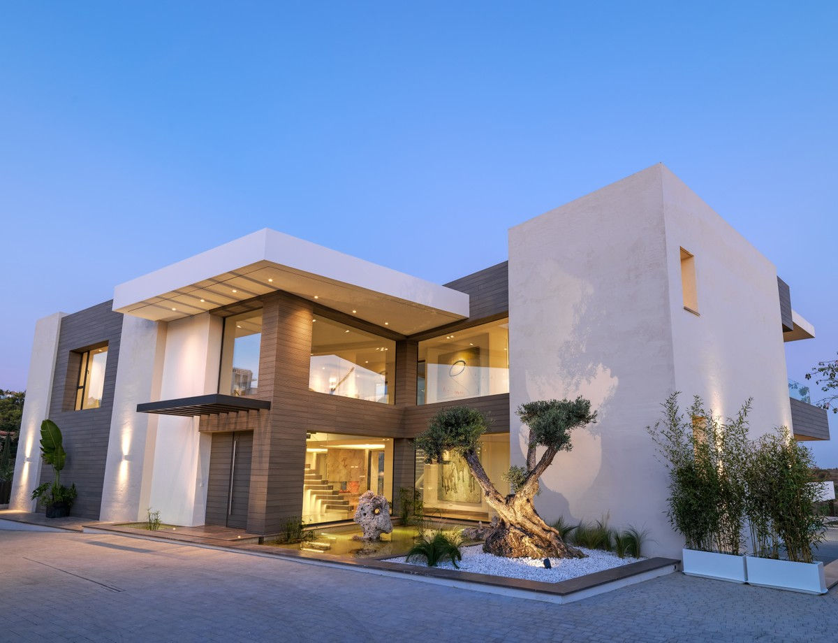 Stunning New Villa With Panoramic Sea Views in Los Flamingos