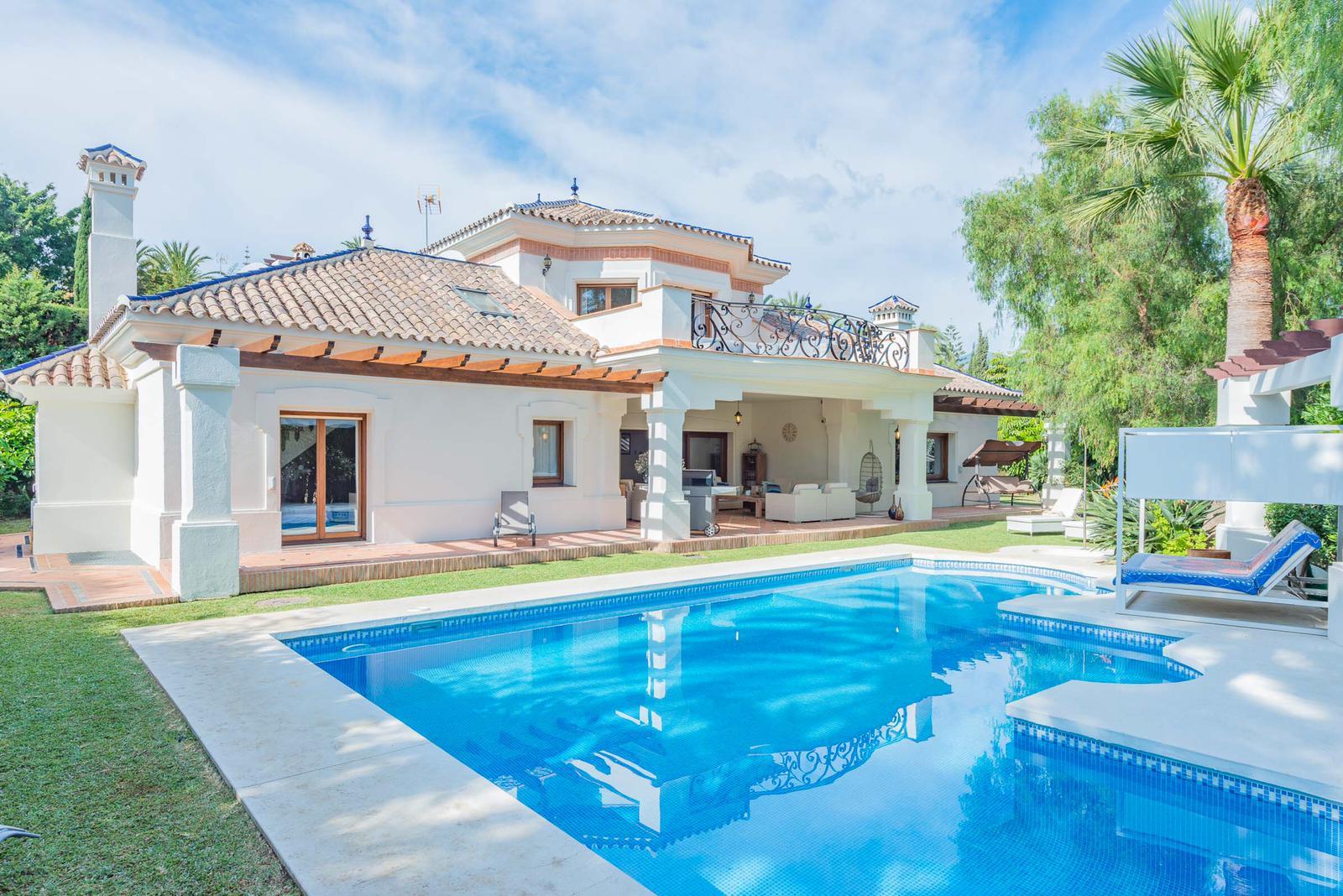 "Excellent villa for sale in one of the best areas of Marbella – Nueva andalucia ""El valle del golf"""