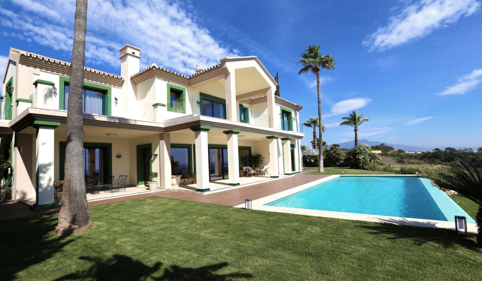 LONG TERM RENTAL – Luxury Modern Villa with Unbeatable Views in Selwo Area
