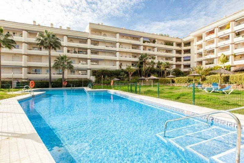 Impressive Apartment in the Coastal Urbanization of Nagueles II (Golden Mile)