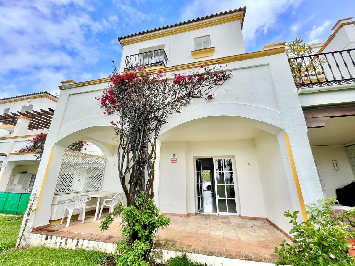 Maravillosa casa adosada de 4 dormitorios en el Coto de la Serena, Estepona