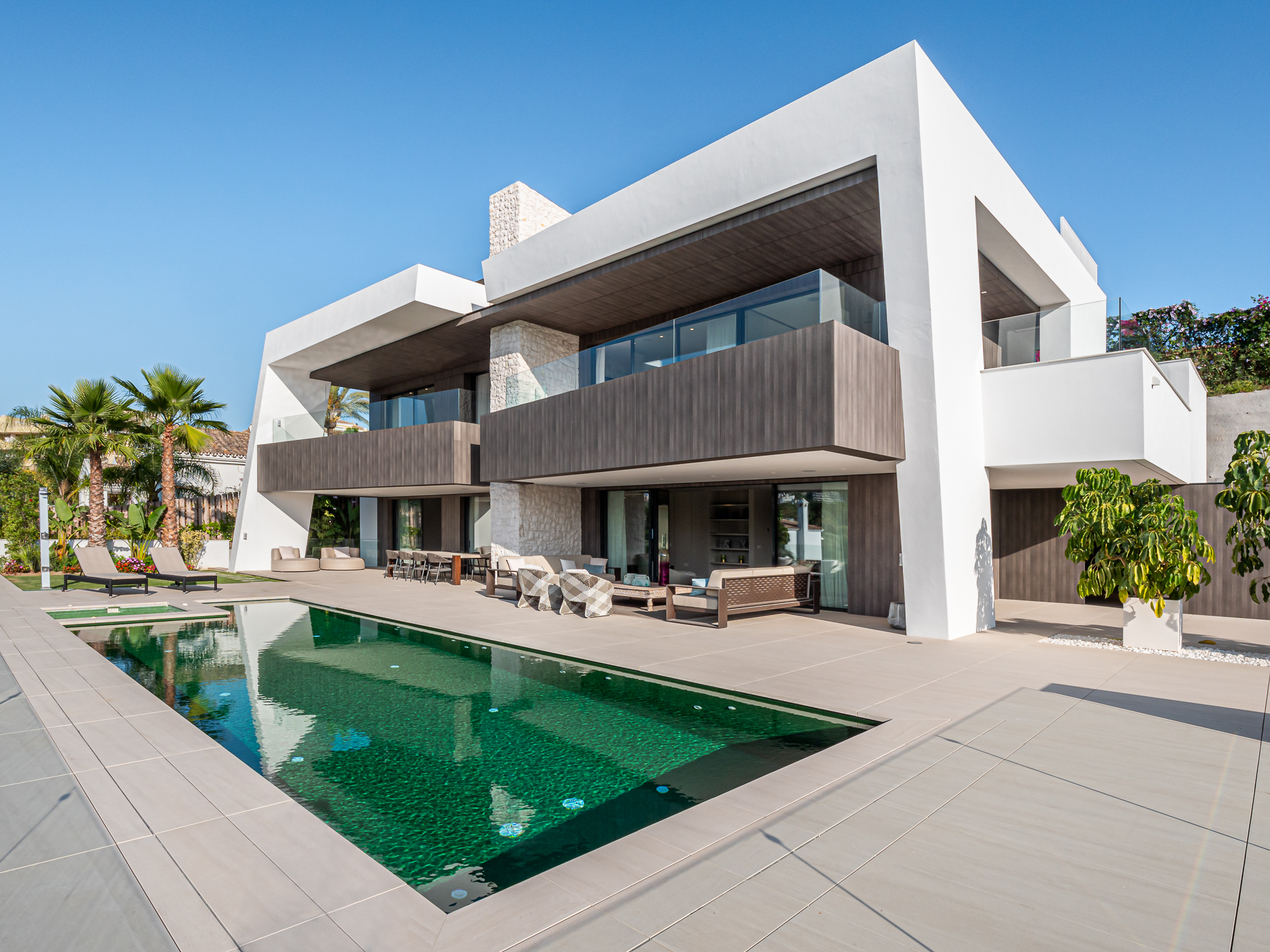 Excellent Modern Villa Newly Built in the Golf Valley