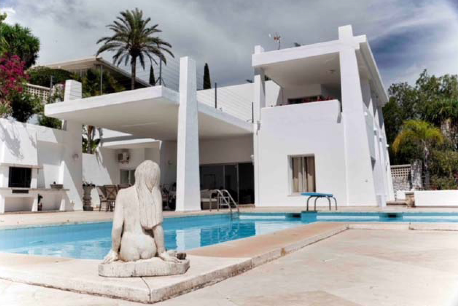 Fantastic Villa with Exceptional Views of Golf Course and the Mediterranean Sea in Rio Real Area