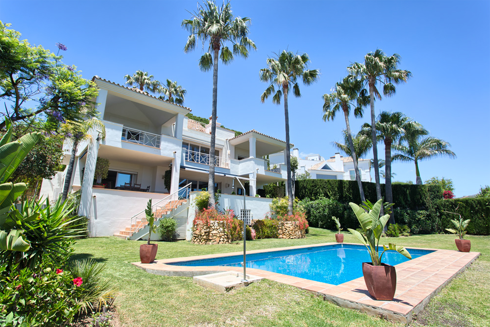 Magnificent Villa in Andalusian Style next to Río Real Golf Course with panoramic sea views