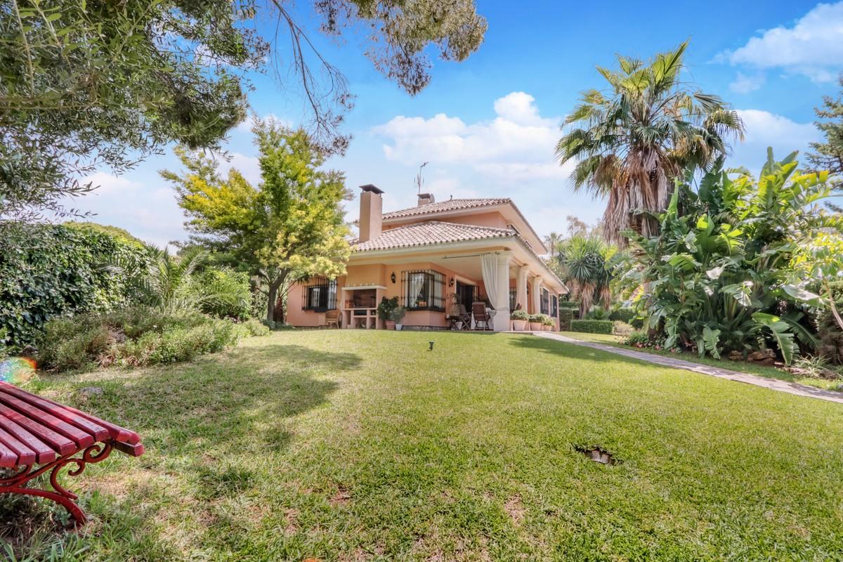 Fantastic Villa located in the El Pirulí area of Marbella