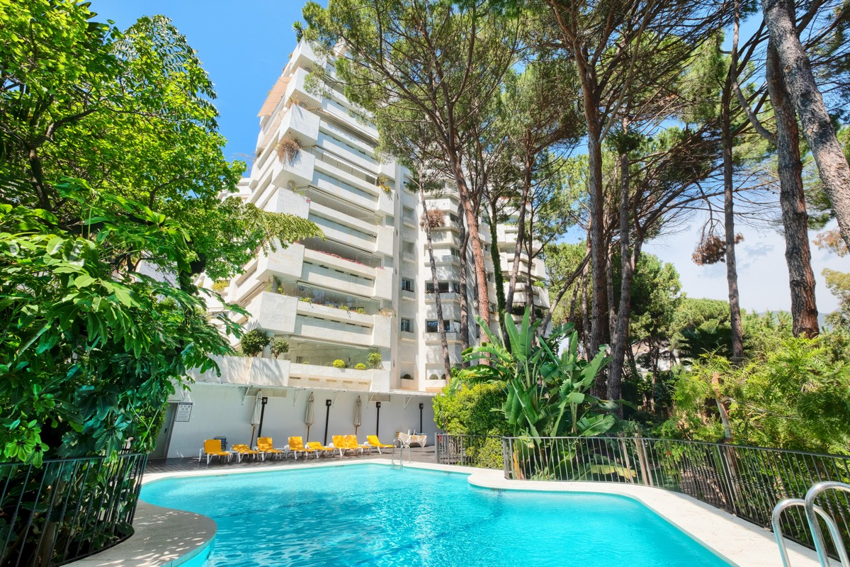 Wonderful 3 Bedrooms Apartment by the Beach in the Golden Mile, Marbella
