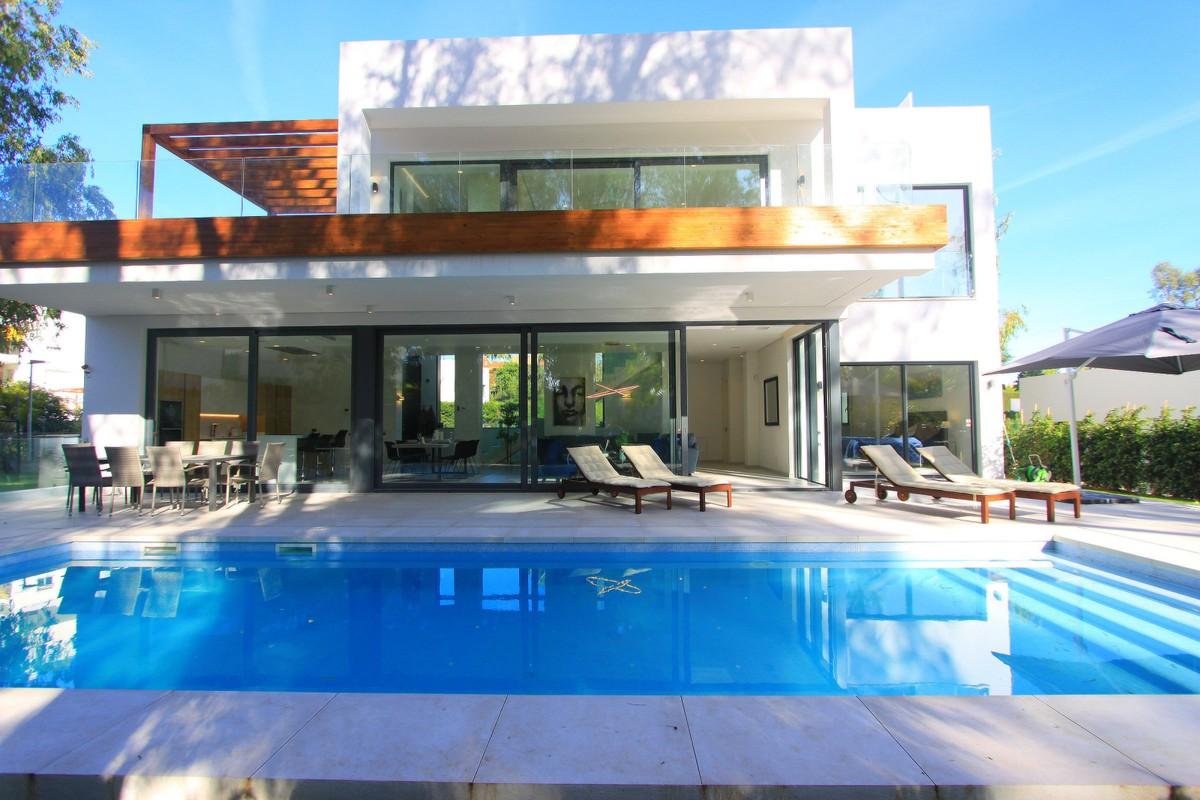 Nueva Villa Moderna de 6 Dormitorios en Arboleda, Atalaya