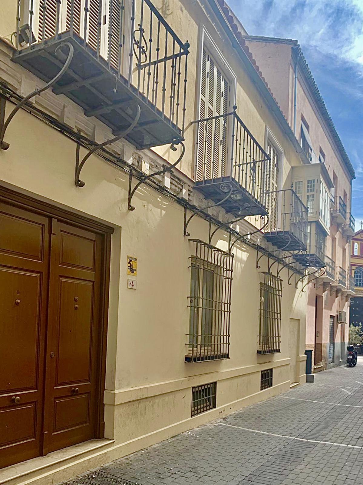 Building for sale in Málaga Centre, Calle Gaona