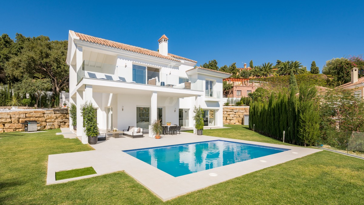 WELCOME TO THE SUNNIEST VILLA WITH WONDERFUL SEA VIEWS IN THE EAST MARBELLA, ELVIRIA!