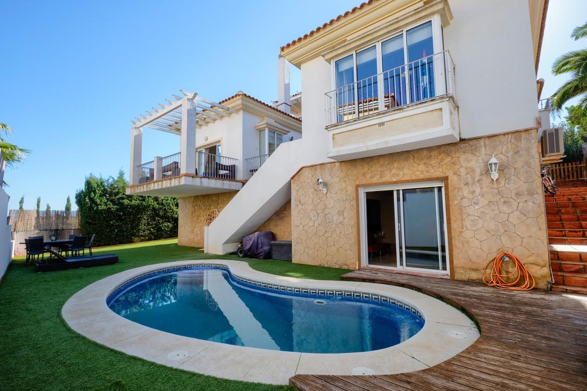 Beautiful 5 Bedrooms Villa in Riviera del Sol