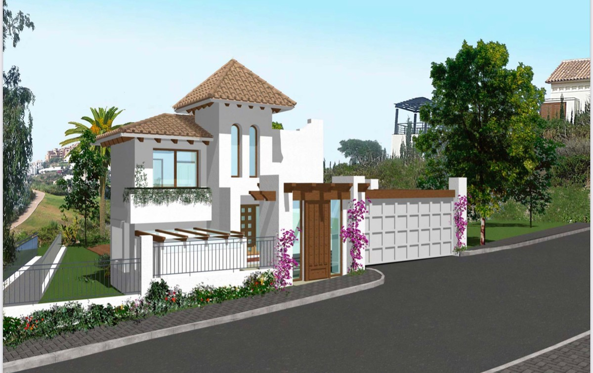 Plot with Sea Views over Golf in the New Golden Mile