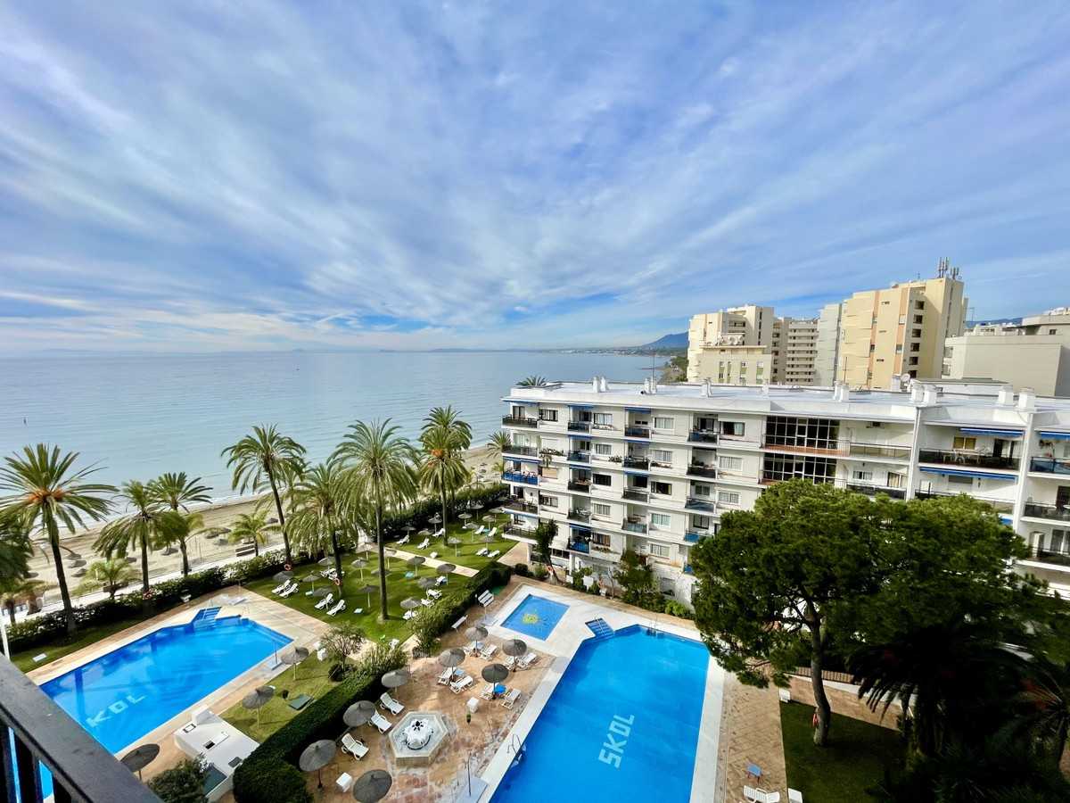Lovely Duplex Apartment with South West Panoramic Views to the Sea & La Concha in the Famous Beachfront Skol Complex