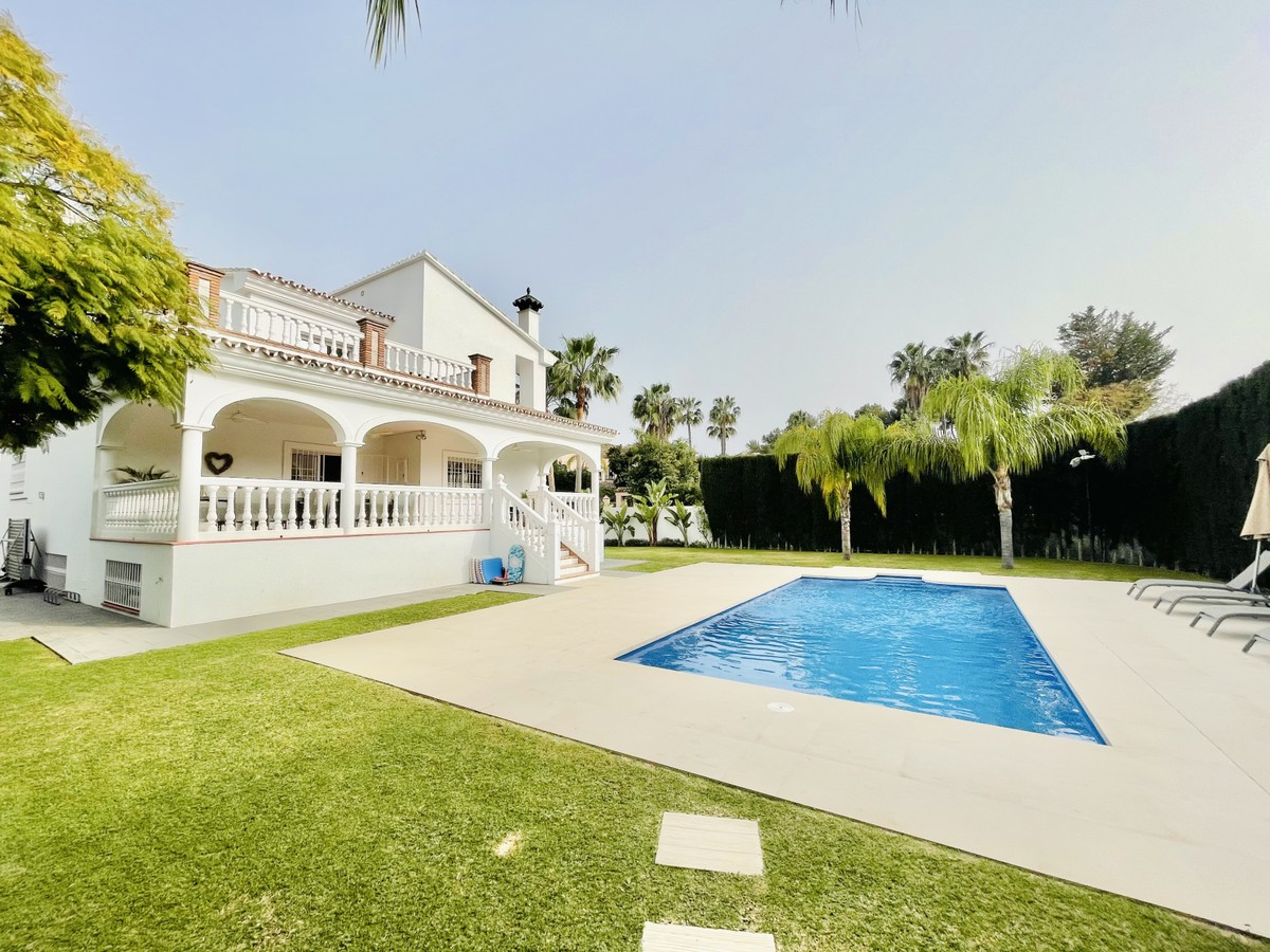 Renovated and Spacious Villa in Nueva Andalucia