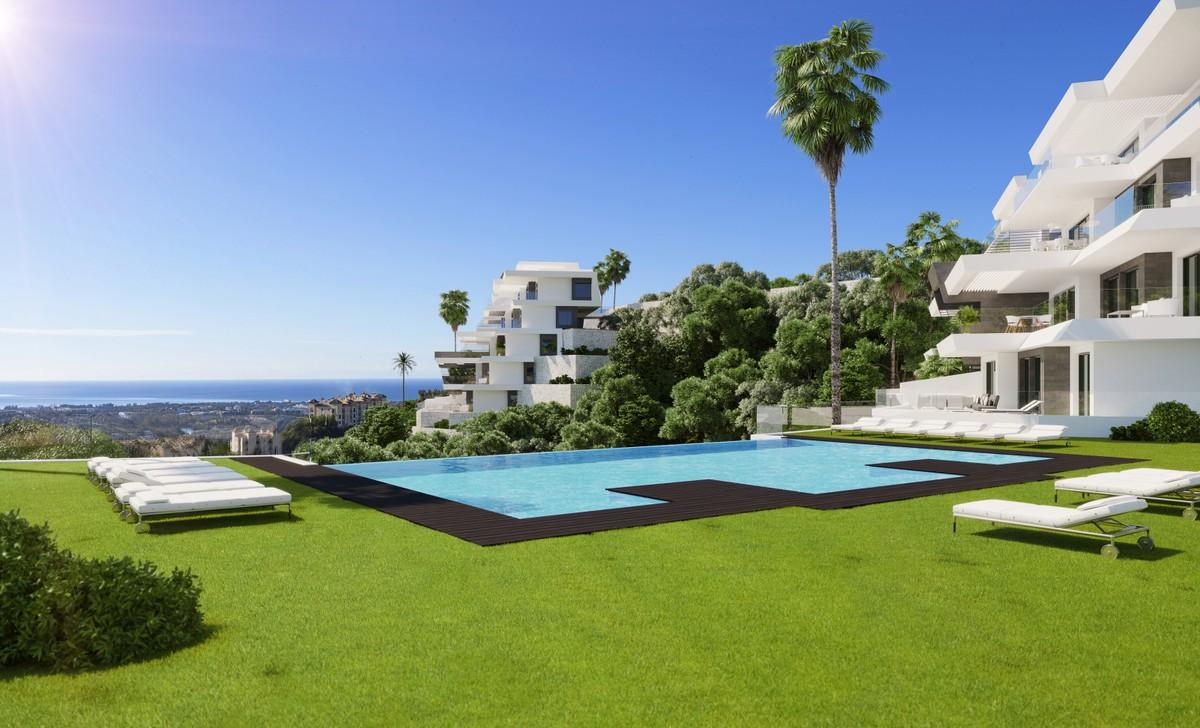 Luxury new construction apartment in Benahavís