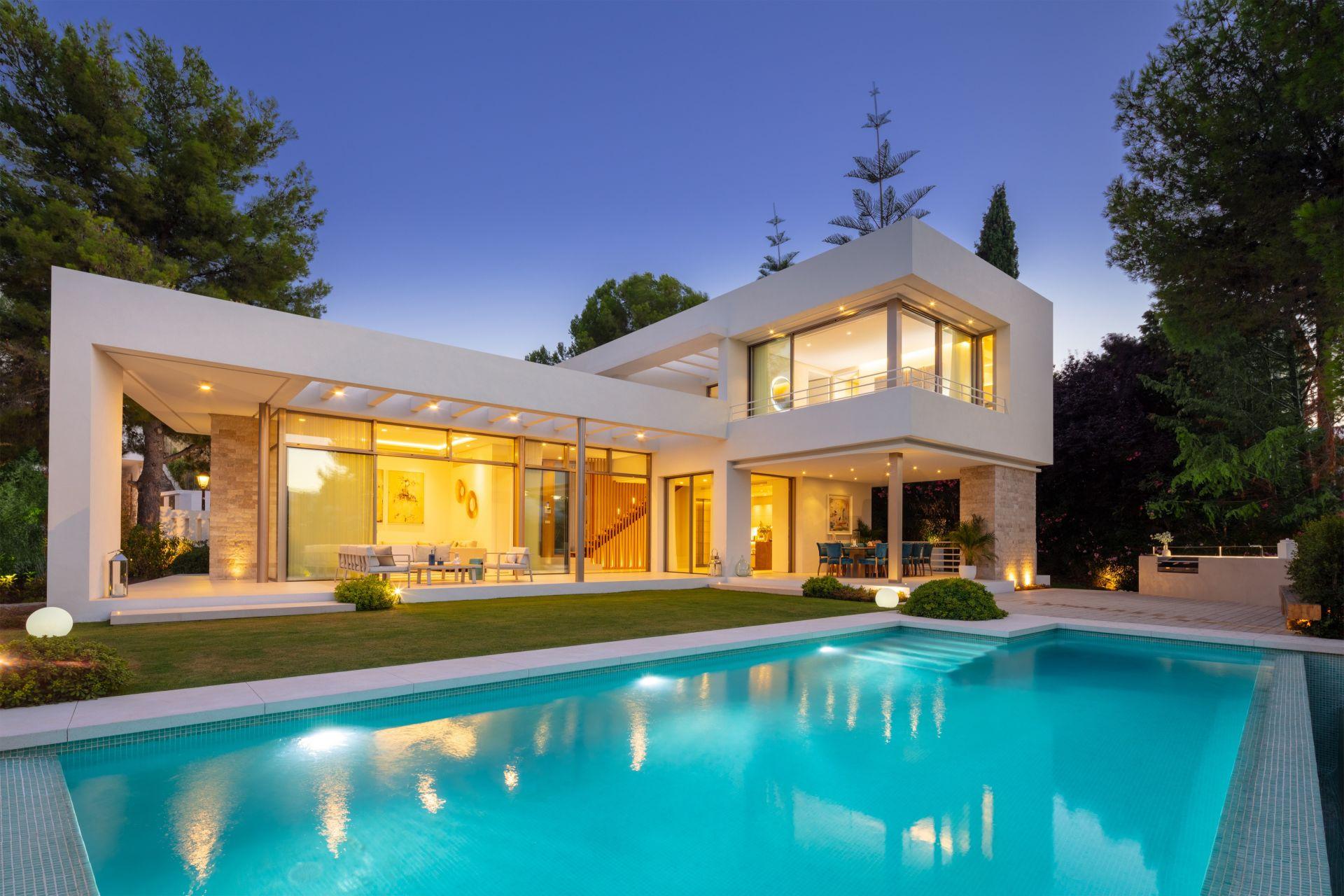Hermosa villa nueva en Nueva Andalucía