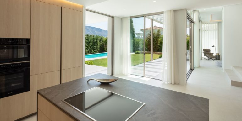 villa-golden-mile-marbella-norwegian-estates-3
