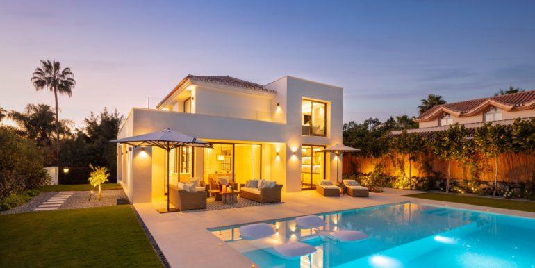 villa-sierra-blanca-marbella-norwegian-real-estate-1