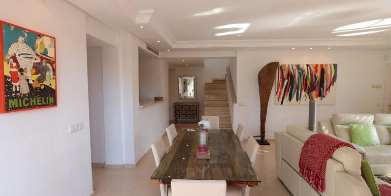 duplex-penthouse-menara-beach-norwegian-estates-23