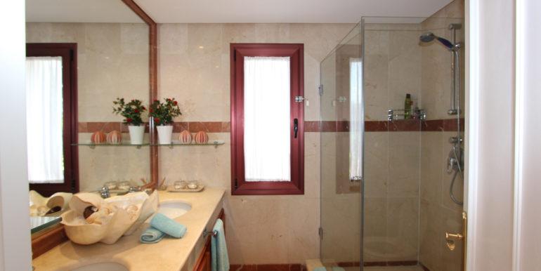 duplex-penthouse-menara-beach-norwegian-estates-40