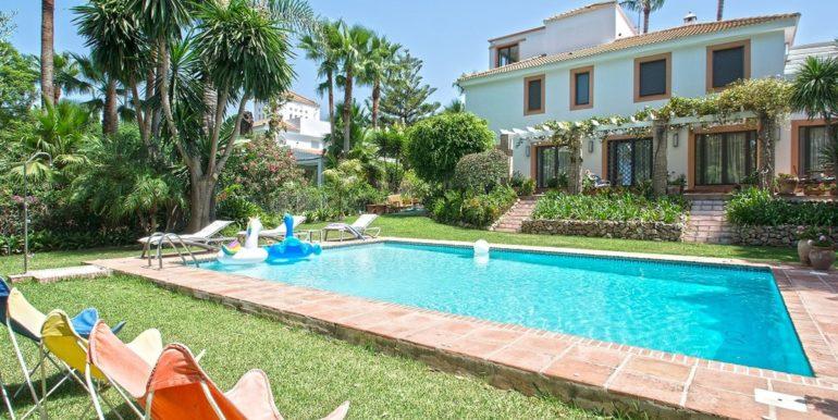 luxury-villa-nueva-andalucia-norwegian-estates-1
