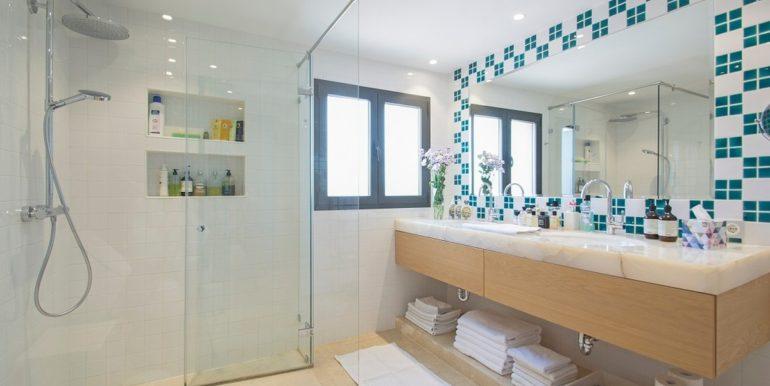 luxury-villa-nueva-andalucia-norwegian-estates-14