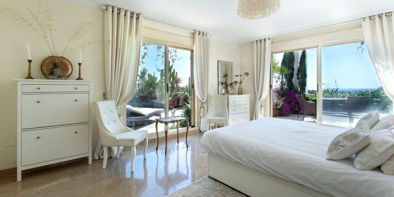 penthouse-nueva-andalucia-norwegian-estates-11