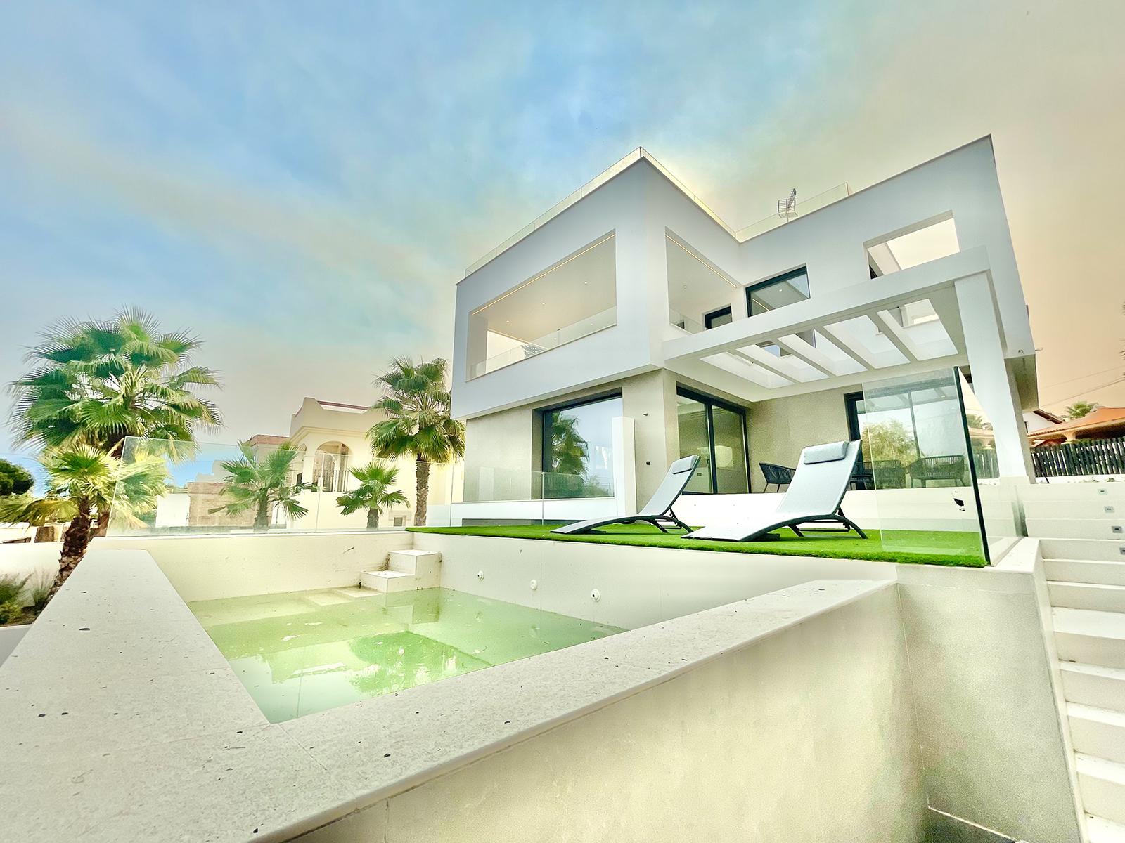 Fantástica Villa moderna a estrenar a 200 m de la playa