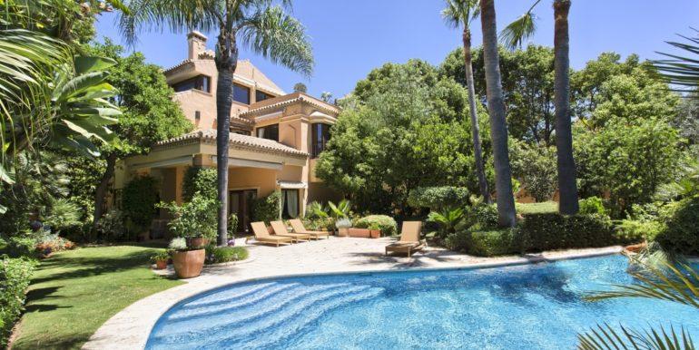 villa-golden-mile-marbella-norwegian-real-estates-1