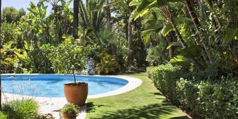 villa-golden-mile-marbella-norwegian-real-estates-3