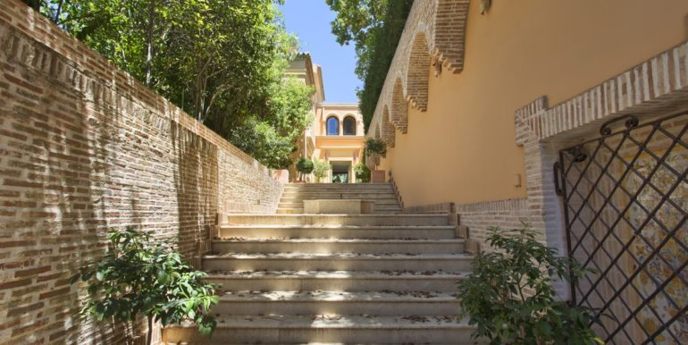 villa-golden-mile-marbella-norwegian-real-estates-4