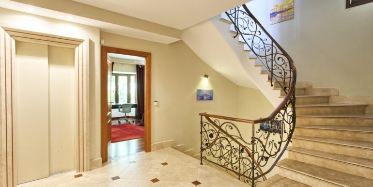villa-golden-mile-marbella-norwegian-real-estates-6